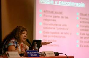 Susana Isoletta.  Magia y psicoterapia.